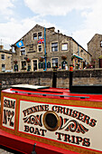 Barges on Leeds and Liverpool canal, Skipton, Yorkshire Dales, Yorkshire, England, Great Britain, Europe
