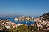 Blick auf die Hafenstadt Kastelorizo Megisti, Dodekanes, Griechenland, Europa