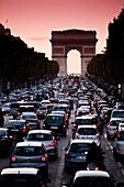 traffic Arc De Triomphe, paris