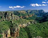 drakensberg, drakensberg mountains, foliage, green, . Drakensberg, Foliage, Green, Greenery, Holiday, Horizon, Landmark, Mountains, Rocks, Rocky, South africa, Africa, Tourism, Trave