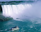 awe, boat, Canada, falls, ferry, mist, Niagara, Ont. Awe, Boat, Canada, North America, Falls, Ferry, Holiday, Landmark, Mist, Niagara, Ontario, Tourism, Tourists, Travel, Vacation