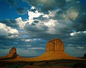 arid, Arizona, barren, buttes, clouds, desert, dry, . America, Arid, Arizona, Barren, Buttes, Clouds, Desert, Dry, Holiday, Isolated, Isolation, Landmark, Mesas, Monument valley, Roc