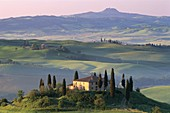 Countryside View, Farmhouse, Hills, Italy, Toscana, . Countryside, Farmhouse, Hills, Holiday, Italy, Europe, Landmark, Toscana, Tourism, Travel, Tuscany, Vacation, Val d´orcia, View