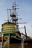 Merchant ship ´Amsterdam´ replica of the sixteenth century that made the trade route from the East Indies and the Netherlands to the Far East, Netherlands, Amsterdam, Benelux, Europe