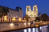 France, Paris, 4th, Ile de la Cité, the cathedral Notre Dame and la Seine at night