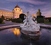 Museum of Art History in the evening light with Triton fountain, Maria Theresien Platz, 1. Bezirk, Vienna, Austria
