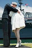 UNCONDITIONAL SURRENDER KISS SCULPTURE AT USS MIDWAY MOLE PARK SAN DIEGO CALIFORNIA USA