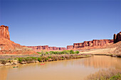 People in kayaks on Green River, White Rim Drive, White Rim Trail, Island in the Sky, Canyonlands National Park, Moab, Utah, Southwest, USA, America