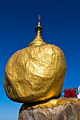 Myanmar (Burma), Môn State, Kyaiktiyo, Golden Rock, with the paya Shwedagon of Yangon and the paya Mahamuni of Mandalay, this Buddhsit site is one of the most revered in Myanmar, on the top of Kyaikto Mount (1100 meters high), this rock of 611,45 tons top