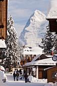 Deep Winter at Muerren, in the background Mountain Eiger, Muerren-Schilthorn skiing area, Lauterbrunnental, Jungfrauregion, Bernese Oberland, Canton Bern, Switzerland, Europe