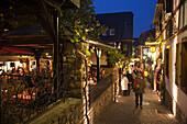 The legendary Drosselgasse alley with wine bars and restaurants in the evening, Rudesheim am Rhein, Hesse, Germany, Europe