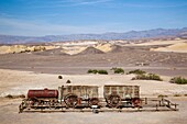 USA, California, Death Valley National Park, Furnace Creek, Harmony Borax Works, old borax factory and mule team hauling wagon