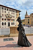 Spain, Asturias, Oviedo, Square Alfonso II El Casto, Statue of ´La Regenta´, character of the famous novel written by Leopoldo Alas Clarin