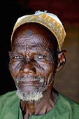 Man of a Northern tribe His tatou is custom in this tribe as it is considered as beauty and decorative The more scarves one has, the more attractive a man is Biu town, Sokoto state, Nigeria