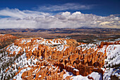 View from Bryce Point into Bryce Amphitheater, Bryce Canyon National Park, Utah, USA, America