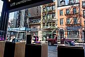 United Nude Shop gegenüber Gene Frankel Theater, Bond Street, New York City, New York, USA