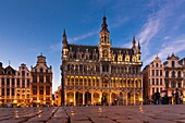 Grand Place, market square with baroque guild houses and Kings house, built in the beginning of the 14th Century, La Maison du Roi, Brussels, Belgium, Europe