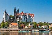View over the Elbe river to Albrechtsburg Castle, Meissen, Saxony, Germany, Europe