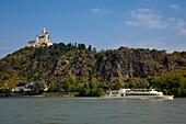 Excursion ship at Marksburg castle, near Braubach, Unesco World Cultural Heritage, Rhine river, Rhineland-Palatinate, Germany