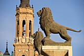 LION STATUES PUENTE DE PIEDRA BASILICA CATHEDRAL OF OUR LADY OF THE PILLAR ZARAGOZA ARAGON SPAIN