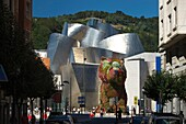 JEFF KOONS PUPPY DOG SCULPTURE GUGGENHEIM MUSEUM OF MODERN ART BILBAO BASQUE COUNTRY SPAIN