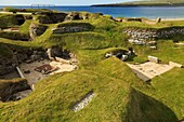 Bay of Skaill, Sandwick, Orkney Mainland, Scotland, UK, Great Britain, Europe  Excavations of prehistoric houses in Neolithic stone-age village at Skara Brae dating back to 3200BC