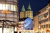 Koenigsplatz with the towers of Martinskirche, Kassel, Hesse, Germany, Europe