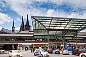 View of the Kölner Dom and central railway station, Cologne, Norh Rhine-Westfalia, Germany, Europe