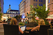 Restaurants near Gaensedieb fountain at night, nightlife, Dresden, Saxony, Germany