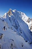 Skifahrer bei der Abfahrt von Rote Rinn-Scharte, Kaiser-Express, Wilder Kaiser, Kaisergebirge, Tirol, Österreich
