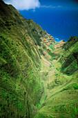 Hawaii, Kauai, North Shore, Aerial of Na Pali Coast, looking towards ocean