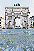 Three-arched triumphal arch with quadriga, Siegestor, Munich, Upper Bavaria, Bavaria, Germany