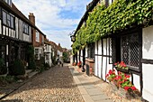 Mermaid Street, Rye, East Sussex, England, UK, Britain, Europe  The 15th century timbered Mermaid Inn on narrow cobbled street in historic Cinque Port town  One of oldest inns in Britain