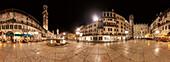 360° Panorama des Piazza delle Erbe in Verona mit dem Torre dei Lamberti, Venetien, Italien