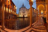 Palazzo dei Vescovi, Battisterio di San Giovanni in corte, gothic baptistry, arcades of Cattedrale di San Zeno, cathedral, Piazza del Duomo at night, Pistoia, Tuscany, Italy, Europe