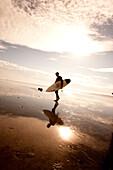 USA, California, Surfer at Ocean Beach, San Francisco