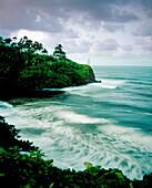 USA, Hawaii, seascape against cloudy sky, Honoli'i Beach