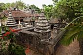 VIETNAM, Hue, the historic Vietnamese architecture of Tu Hieu pagoda and monastery