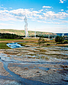 USA, Wyoming, Old Faithful Geyser Park, Yellowstone National Park