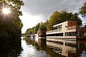 Houseboat on the Eilbek canal, Hamburg, Germany