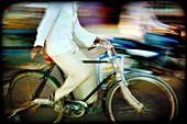 bicycle, blurred motion, color image, cycle, horizontal, human, motion, moving, people, transport, B75-1664297, AGEFOTOSTOCK