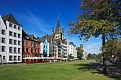 D-Cologne, Rhine, Rhineland, North Rhine-Westphalia, NRW, old city, Martin quarter, row of houses, residential buildings, Rhine bank, Romanesque Great St Martin church, catholic church, basilica