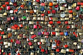 traditions, love padlocks symbolizing eternal love located at the Hohenzollern bridge in Cologne, Rhine, Rhineland, North Rhine-Westphalia, NRW