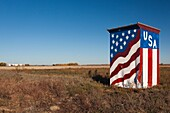 USA, Kansas, Great Bend, All-American outhouse