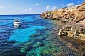 Italy, Sicily,  Aegadian Islands, Favignana Island, lagoon