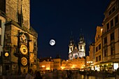 ASTRONOMICAL CLOCK TYN CHURCH OLD TOWN SQUARE STAROMESTSKE NAMESTI PRAGUE CZECH REPUBLIC