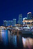 BAYSIDE MARKETPLACE MARINA DOWNTOWN SKYLINE MIAMI FLORIDA USA