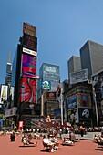 PEDESTRIAN PLAZA TIMES SQUARE MIDTOWN MANHATTAN NEW YORK CITY USA
