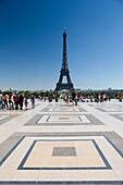 PLACE DU TROCADERO PALAIS DE CHAILLOT EIFFEL TOWER PARIS FRANCE