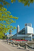 ROCK AND ROLL HALL OF FAME GREAT LAKES SCIENCE CENTER DOWNTOWN CLEVELAND SKYLINE OHIO USA